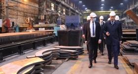 Производственные площадки завода ЭЛСИБ посетил губернатор Новосибирской области